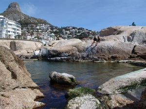 Saunders Rocks tidal pool with Lions Head in the background