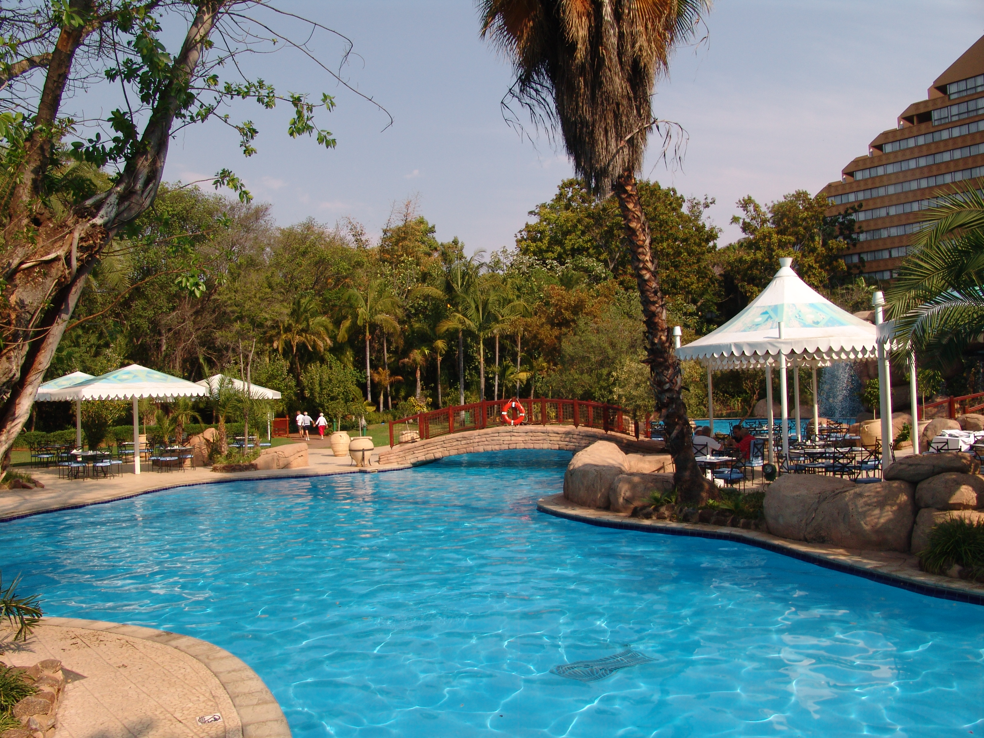 sun city hotel review