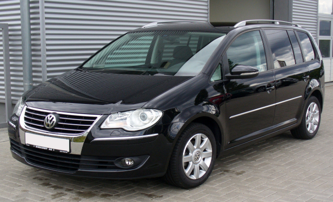 A black Volkswagen Touran