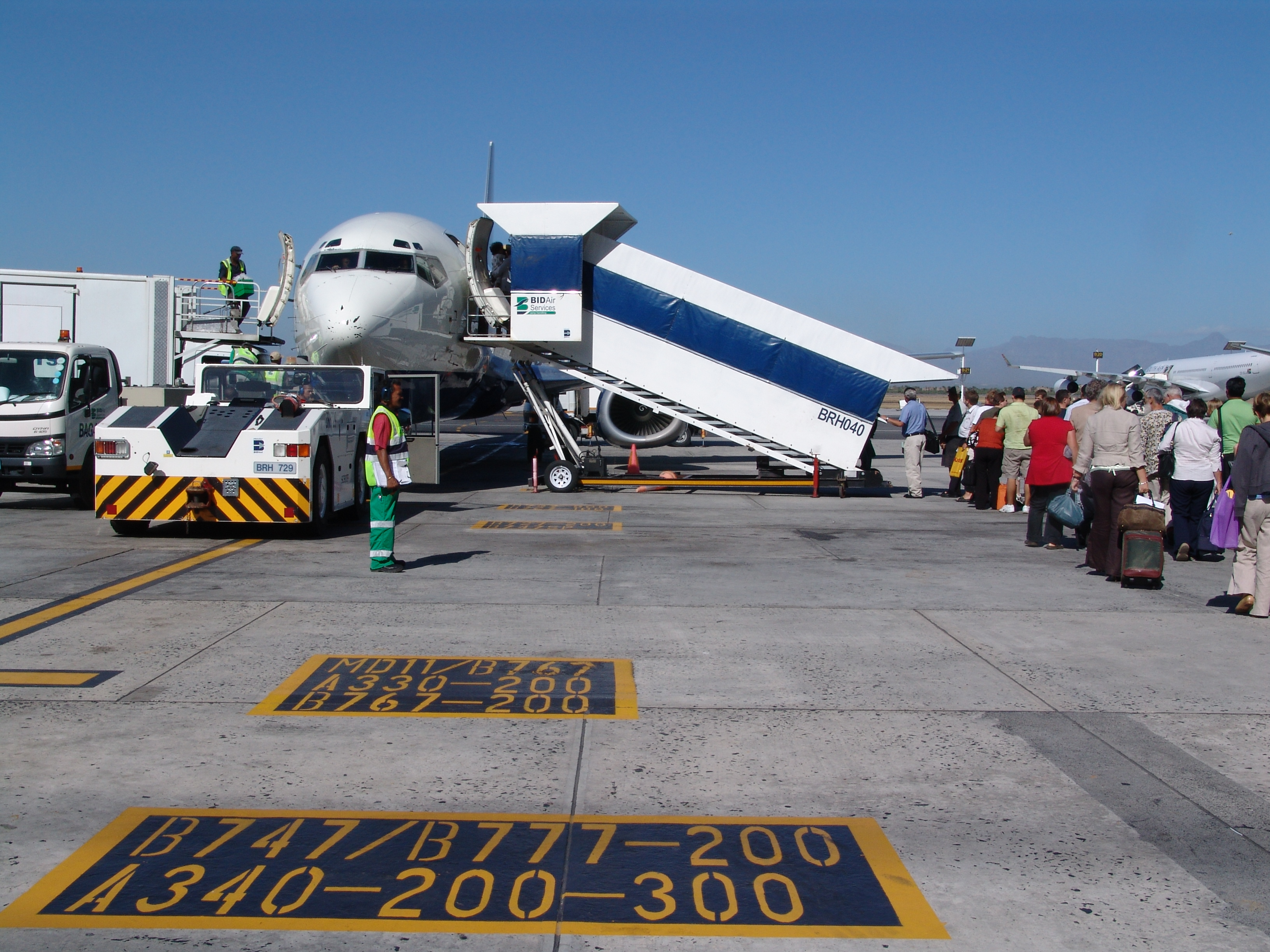 transport airlines cheap flights from south africa london