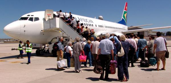 SAA plane being boarded at Cape Town International Airport