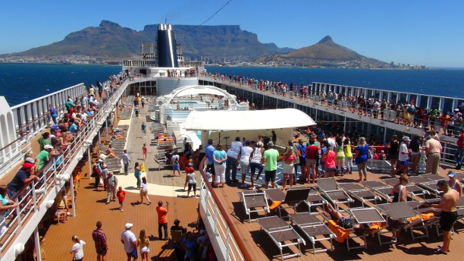 MSC Sinfonia leaving Cape Town Harbour, with Table Mountain in the background