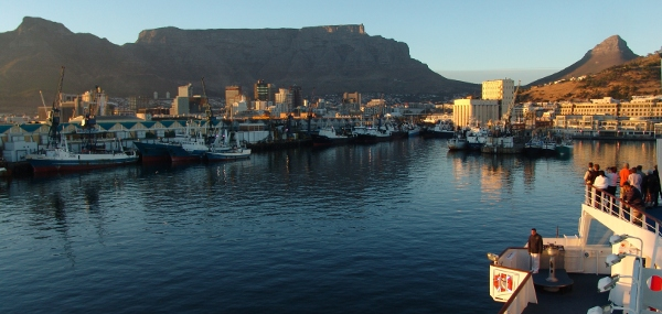 views of Table Mountain as the Rhapsody cruises into Table Bay harbour